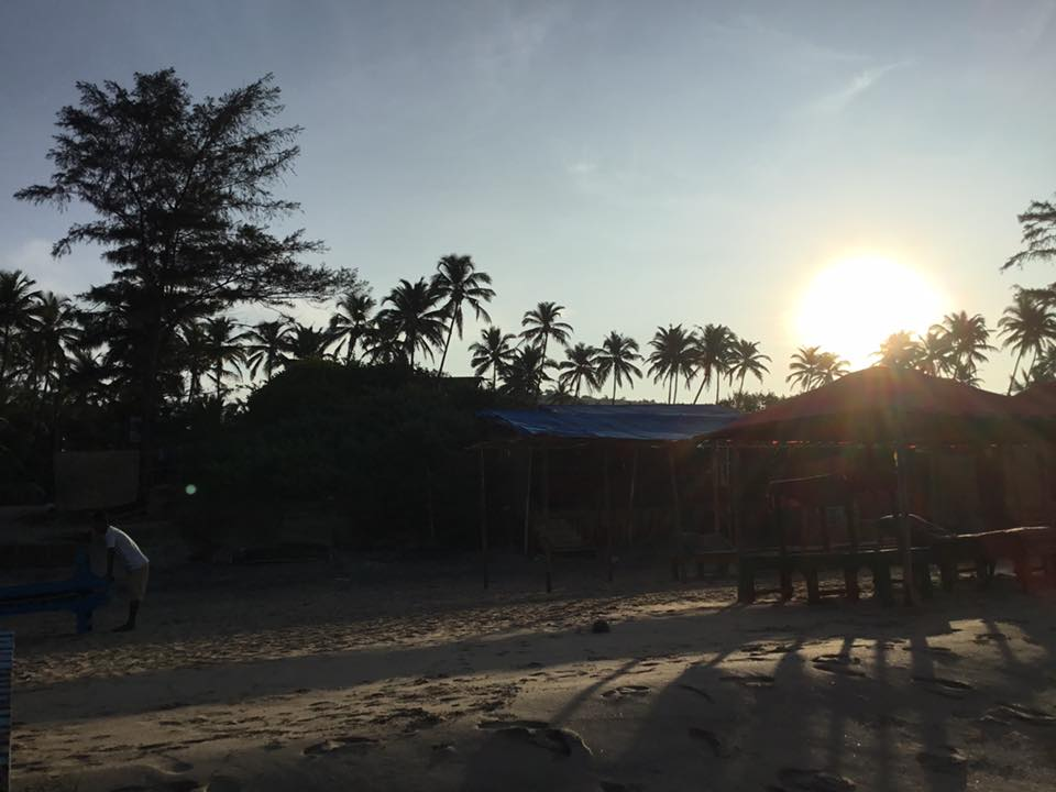 Viaggio yoga: il tramonto su Arambol