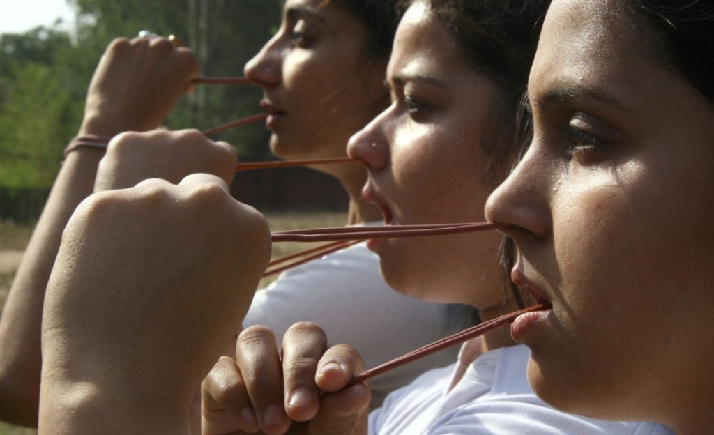 Sutra neti, tecnica di pulizia del naso e della gola