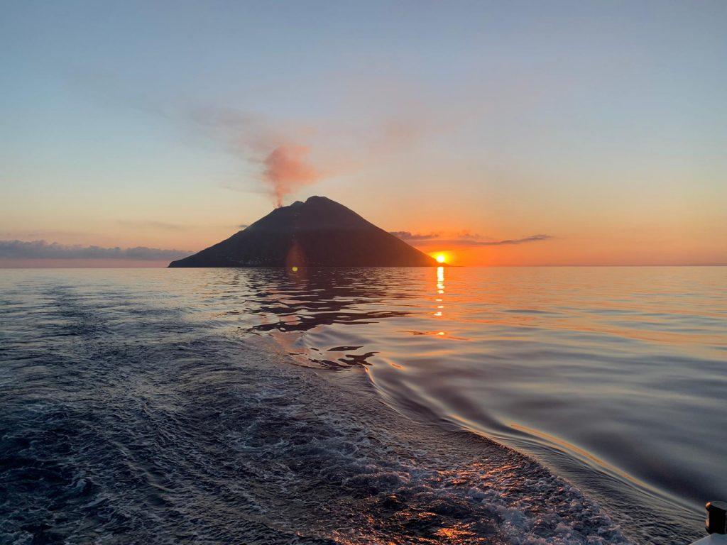Yoga e Vela isole Eolie