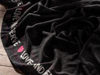 SCIALLE IN CASHMERE LOVE AND SERVE - black